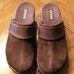 Crocs suede/ leather clogs 6W